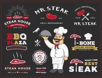 Satz des Steak- und Grillrestaurantlogoaufklebers entwerfen Stockbild