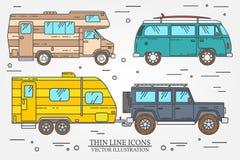 Satz des Touristenbusses, SUV, Anhänger, Jeep, RV-Wohnwagenanhänger, Reisend-LKW Sommerreisefamilien-Reisekonzept Dünne Linie Iko Stockfotografie