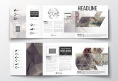 Satz dreifachgefaltete Broschüren, quadratische Designschablonen Stockbild