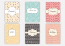 Satz Einladungskarten mit Hand gezeichneten Mustern Laden Sie Hochzeit ein Universalschablone für Grußkarte, Webseite, Hintergrun Stockfotografie