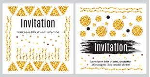 Satz Einladungsschablonen mit goldenem Funkeln lizenzfreie abbildung