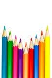 Satz farbige Bleistifte auf einem weißen Hintergrund, Anordnung mit einer internen Ecke Lizenzfreies Stockbild