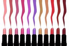 Satz Farblippenstifte mit ihren Farben oben Gesetzte ISO des Lippenstifts Lizenzfreie Stockfotografie