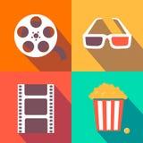 Satz Filmgestaltungselemente und Kinoikonen flach Stockbilder