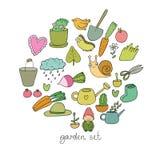 Satz Gartengegenstände Anlagen, Töpfe und Werkzeuge für die Gartenarbeit Gemüse und Insekten Lizenzfreies Stockbild