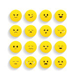 Satz gelbe Emoticons in der flachen Art Stockfoto