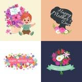 Satz glückliche Muttertageskarten mit Grußtext und -kinder, Baby und Mädchen mit bouqkuet von Blumen in der flachen Art Stockfoto