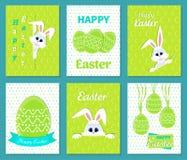 Satz glückliche Ostern-Grußkarten Weißer netter Osterhase, der aus einem Loch heraus, Band, Eier, Glückwünsche, lächelnde Kaninch Stockfoto