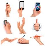 Satz Hände, die verschiedene Geschäftsgegenstände halten. Stockfotografie