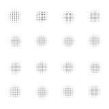 Satz Halbtonkreise lokalisiert auf weißem Hintergrund Sammlung Halbtoneffektpunktmuster Auch im corel abgehobenen Betrag Lizenzfreie Stockfotos