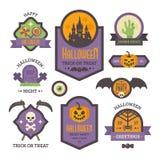 Satz Halloween-Ausweise Flache Feiertagselemente und -fahnen stockfoto