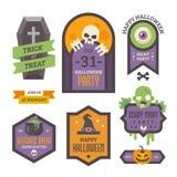 Satz Halloween-Ausweise Flache Feiertagselemente und -fahnen lizenzfreie stockfotografie