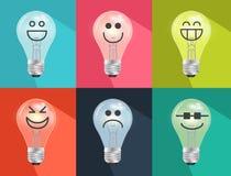 Satz Hand gezeichnet, Glühlampen der Karikatur, Wolframbirne in der Stimmung oder Lizenzfreie Stockbilder