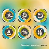 Satz Ikonen auf einem Thema von Sommerferien durch das Meer Stockbild