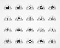 Satz industrielle Ikonen auf metallischen Wolken Stockfotos