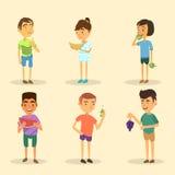 Satz Jungen und Mädchen, die Frucht essen stock abbildung