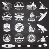 Satz Kanu- und Kajakklubabzeichen Auch im corel abgehobenen Betrag Stockbild