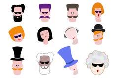 Satz Karikaturavataras Mann und weibliche Figuren Yuong und ältere Personen gesichter Stockbilder