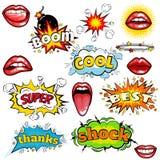 Satz Karikaturkomische Supersprache-Blasenaufkleber mit Text, sexy offene rote Lippen mit den Zähnen, Retro- Karikaturvektorpop-a Lizenzfreies Stockfoto