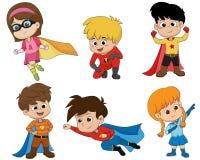 Satz Kinder, die Superheldkostüme mit unterschiedlicher Haltung tragen Vecto vektor abbildung