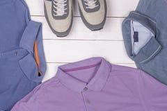 Satz Kleidung und Schuhe der Männer Lizenzfreies Stockfoto