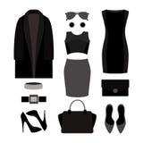 Satz Kleidung und Zubehör der einfarbigen modische Frauen Stockbild