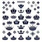 Satz Kronen und dekorative Elemente Stockbild