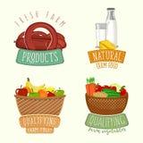 Satz Logodesign mit Bauernhofbioprodukten Auch im corel abgehobenen Betrag Stock Abbildung
