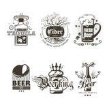 Satz Logos von alkoholischen Getränken Stockfotografie