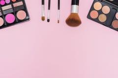 Satz Make-upkosmetik mit Kopienraum für Text Lizenzfreies Stockfoto