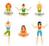 Satz mit der Schönheit, die verschiedenes unterschiedliches Yoga ausübt, wirft Training auf Lizenzfreie Stockfotos