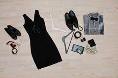 Satz modische Kleidung Ausstattung des Mannes und der Frau Kleidung und der acces Lizenzfreie Stockbilder
