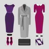 Satz modische Kleidung der Frauen Ausstattung des Frauenmantels, -kleides und -Zubehörs Die Garderobe der Frauen Lizenzfreies Stockbild