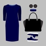 Satz modische Kleidung der Frauen Ausstattung von Frau Kleid und accesso Stockfotografie