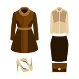 Satz modische Kleidung der Frauen mit Mantel, Bluse; Rock Lizenzfreies Stockbild
