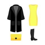 Satz modische Kleidung der Frauen mit schwarzem Mantel, gelbes Kleid und Lizenzfreies Stockfoto