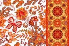Satz nahtlose mit Blumenmuster des Handabgehobenen betrages mit Schmetterling und nahtlosem StreifenRandstreifenband Auch im core lizenzfreie abbildung