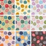 Satz nahtlose Muster mit abstrakten Blumen in den verschiedenen Farben lizenzfreie abbildung