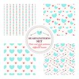 Satz nahtlose Muster mit den tadellosen und rosa Herzen stock abbildung