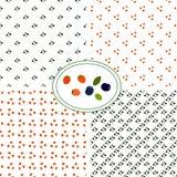 Satz nahtlosen Musters vier Reife frische natürliche Blaubeeren mit kleinen grünen Blättern auf einem weißen Hintergrund Blaue un stock abbildung