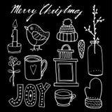 Satz nette Kreideweihnachtshand gezeichnete grafische Elemente, lokalisierte Gegenstände Stockfotos
