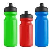 Satz Plastikflaschen des leeren Fahrrades für Wasser stockbilder