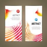Satz polygonale dreieckige bunte geometrische Fahnen für erneuern modernes Design der Jugend Stockbilder