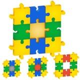 Satz Puzzlespiele, verschiedene Farben die Mitte Lizenzfreie Stockbilder