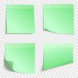 Satz quadratische grüne klebrige Anmerkungen Stockfotos