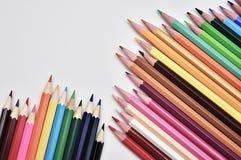 Satz realistische bunte farbige Bleistifte Stockbild