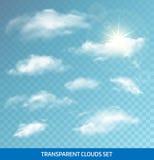 Satz realistische transparente Wolken Alle verschiedenen Grafiken sind auf unterschiedlichen Schichten, also können sie leicht ve Lizenzfreies Stockbild