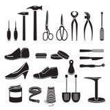 Satz Schuh-Reparatur-Werkzeug und Schuh-Zubehör, einfarbig Lizenzfreie Abbildung