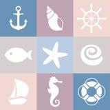 Satz Seeikonen Shell, Starfish, Fische, Anker, Lenkrad, Schwimmweste, Schiff, Seepferdchen Lizenzfreie Stockbilder