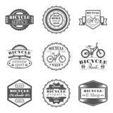 Satz Shop, Miete, Service, Verkauf, Club, Reparatur in den einfarbigen Artlogos, Embleme, Aufkleber und Ausweise des Fahrrades Lizenzfreie Stockfotos